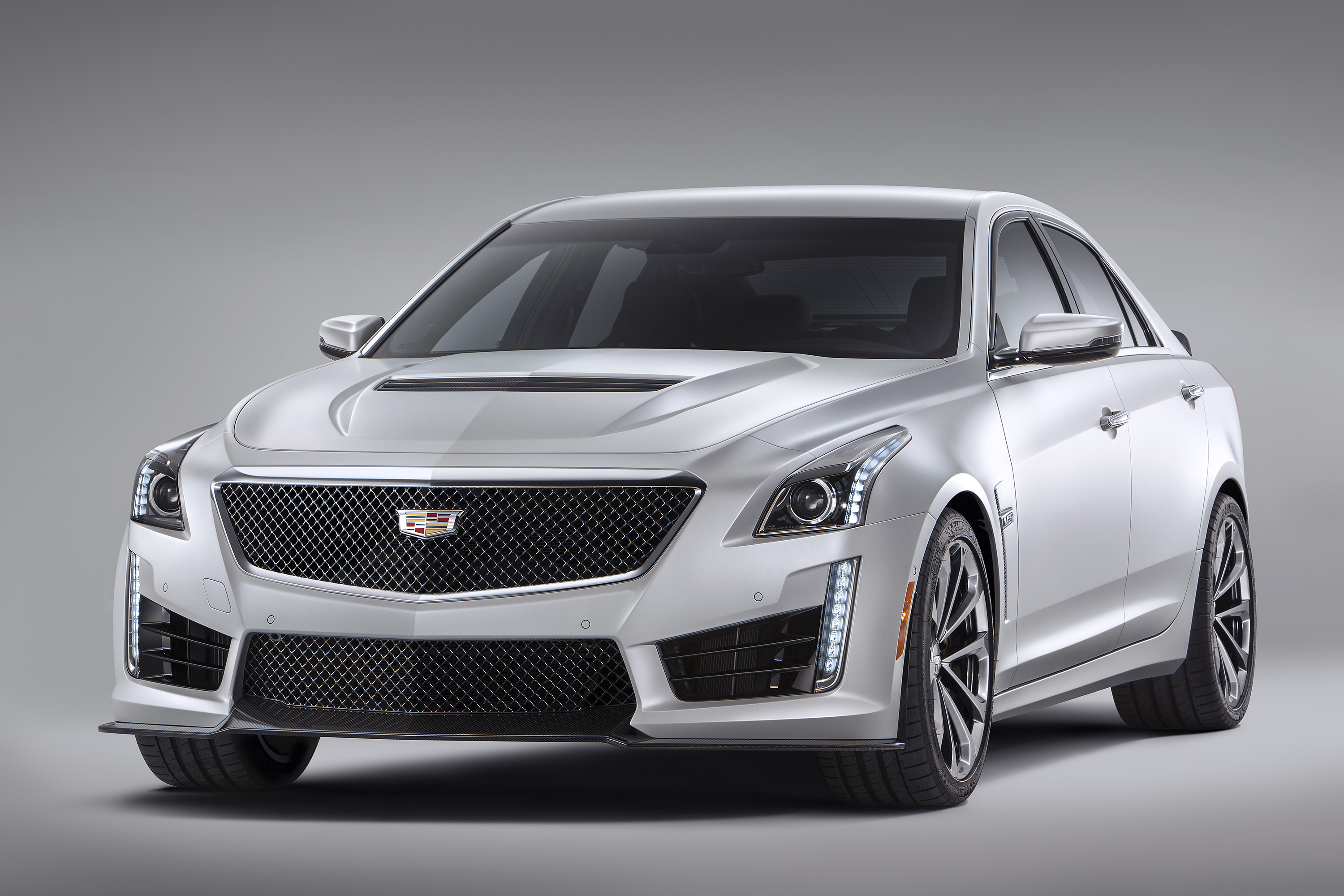 2016 Cadillac CTS V Sedan 012 2016 cadillac cts v introduced at detroit naias 2011 cts fuse box at panicattacktreatment.co